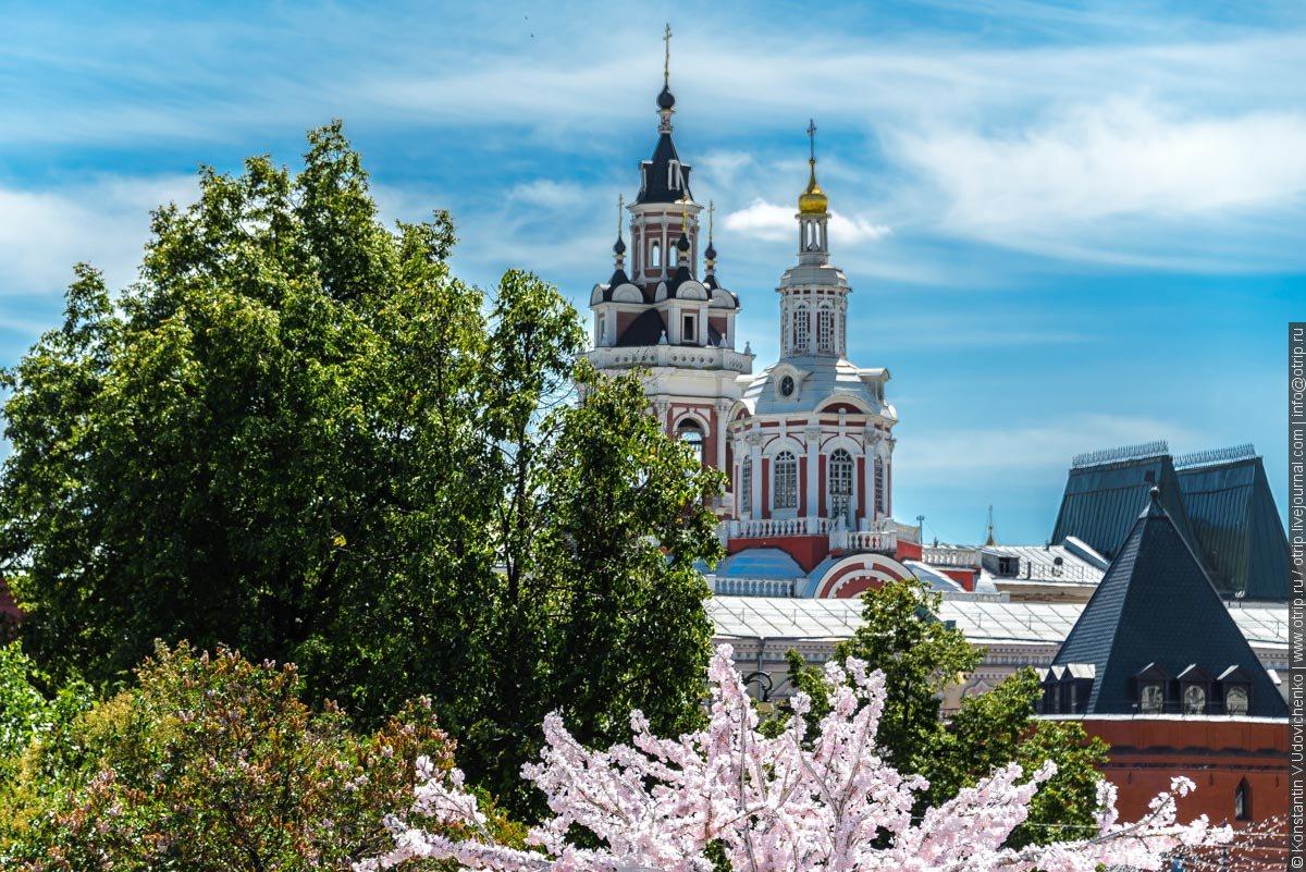img2239s.jpg - Автобусная прогулка по Москве (2018.05.06)