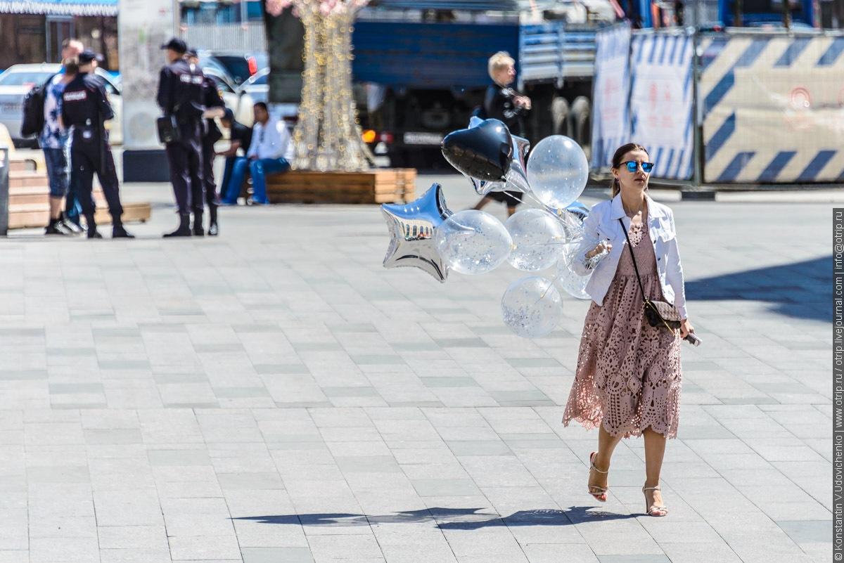 img2255s.jpg - Автобусная прогулка по Москве (2018.05.06)