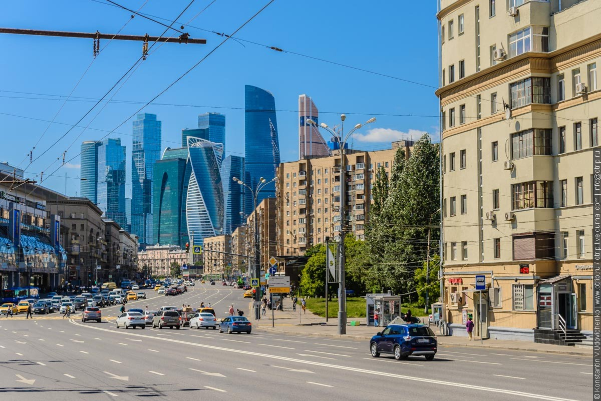 img2445s.jpg - Автобусная прогулка по Москве (2018.05.06)