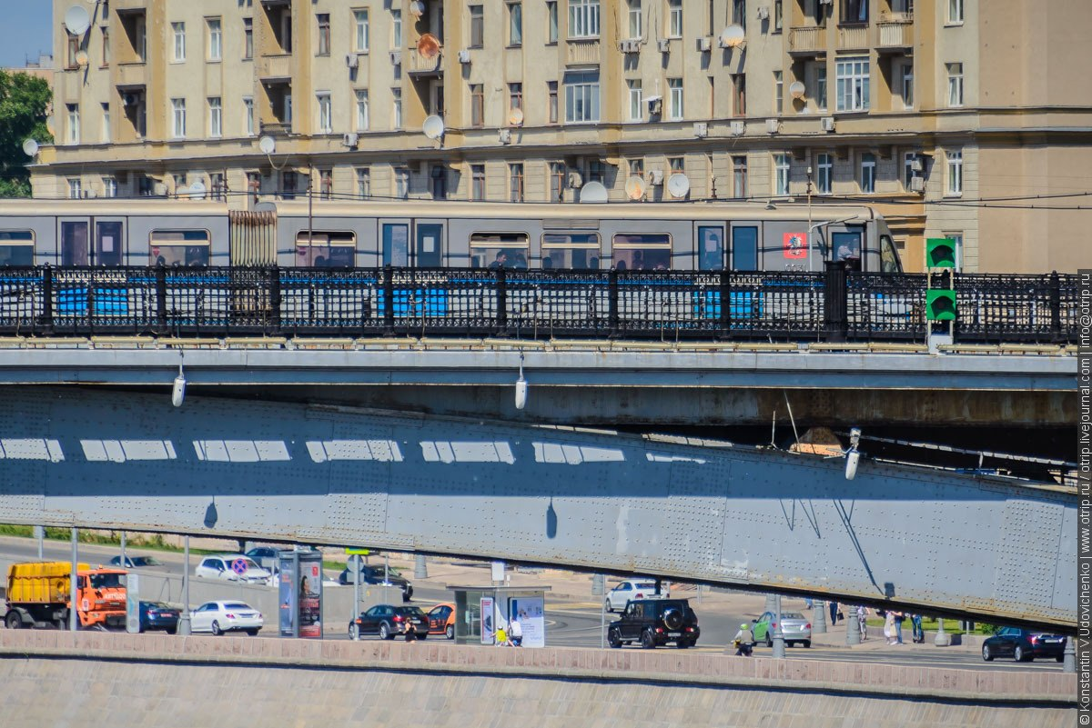 img2448s.jpg - Автобусная прогулка по Москве (2018.05.06)