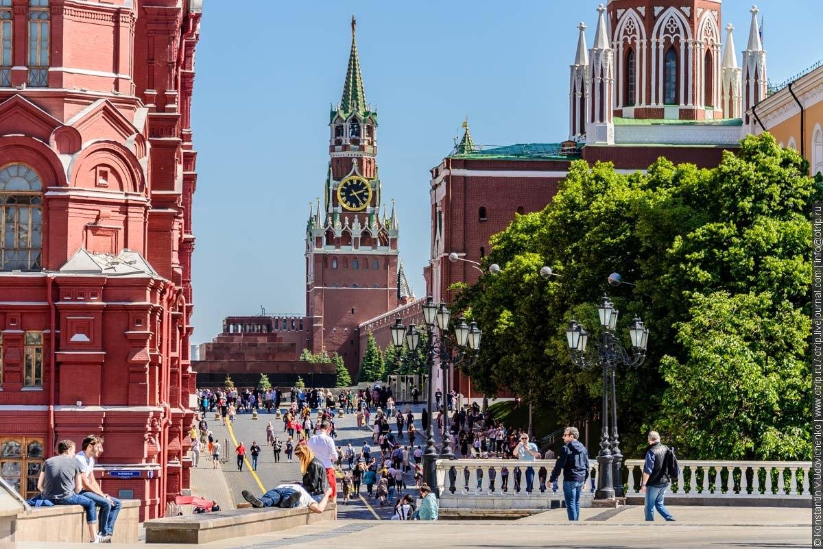 img2506s.jpg - Автобусная прогулка по Москве (2018.05.06)