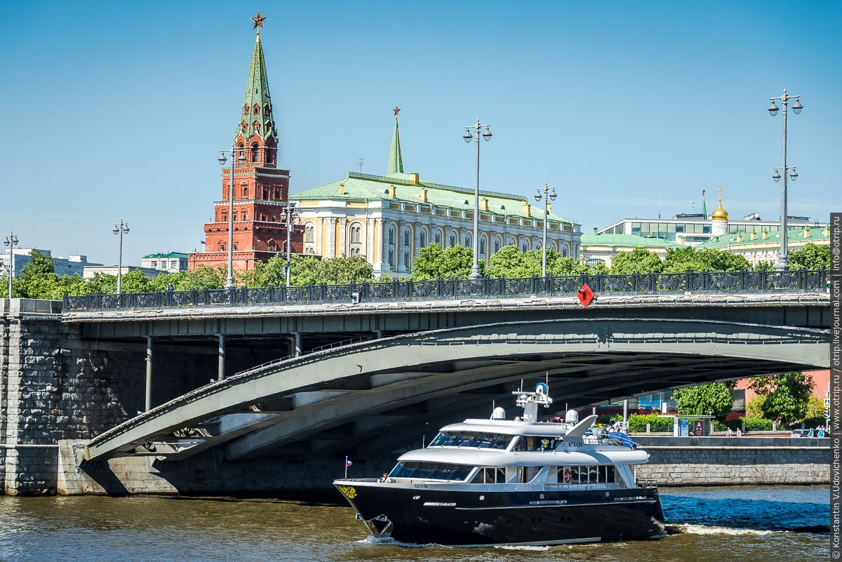 img2553s.jpg - Автобусная прогулка по Москве (2018.05.06)