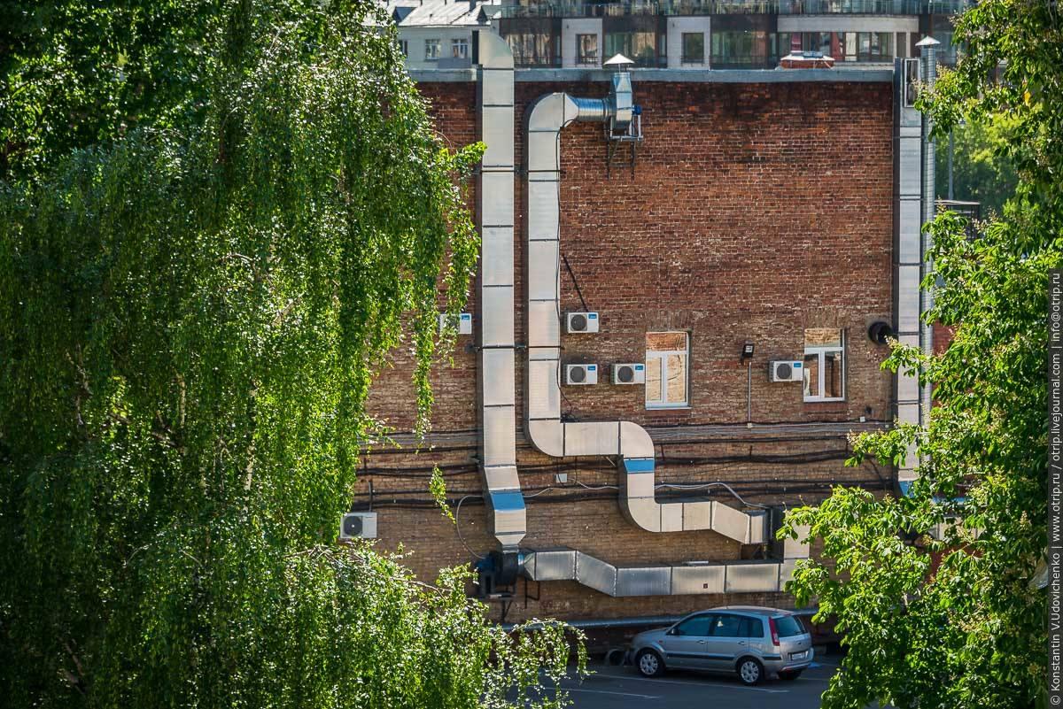img2588s.jpg - Автобусная прогулка по Москве (2018.05.06)