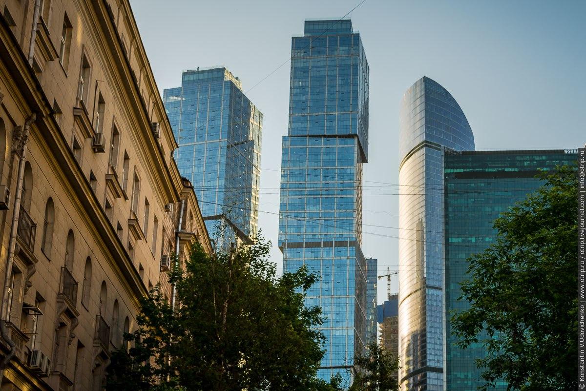 img2683s.jpg - Автобусная прогулка по Москве (2018.05.06)