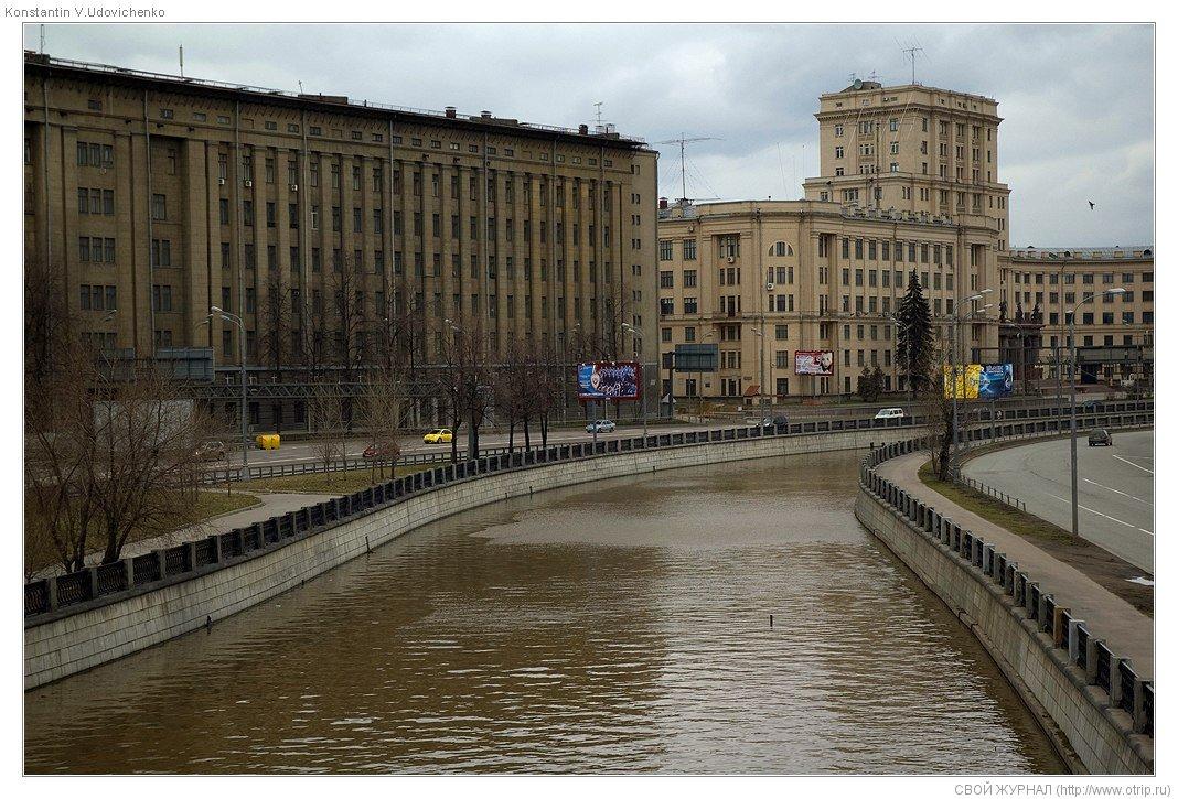 8045s_2.jpg - Москва, ч.1 Бауманская-Авиамоторная (19.04.2009)