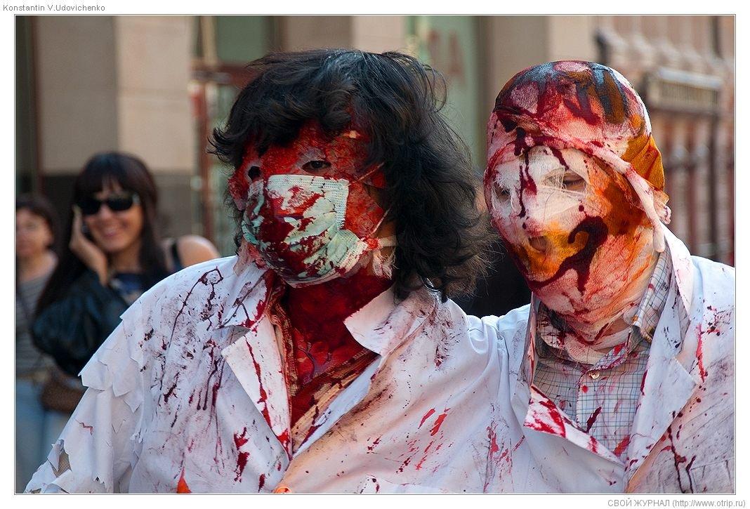 8260s_2.jpg - Москва, зомби-моб на Арбате (26.04.2009)
