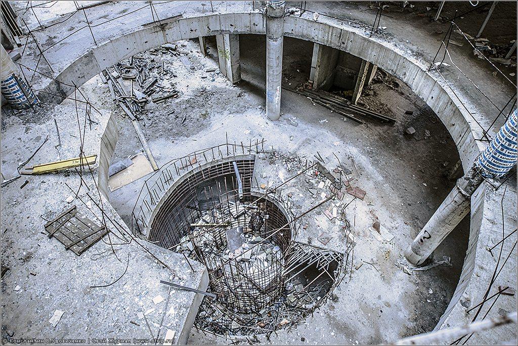 137-8669s.jpg - Заброшенный бизнес-центр (23.07.2014)