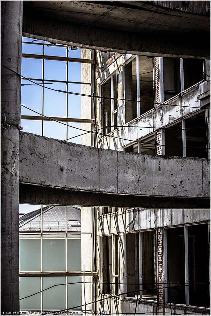 137-8796s.jpg - Заброшенный бизнес-центр (23.07.2014)