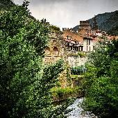 Французские Пиренеи, Вильфранш-де-Конфлан (Villefranche de Conflent). Очень крутое место, даже сам себе завидую, что был там. Когда-нибудь еще раз, да! Самые крутецкие виды по тэгу #qdf2013 вот мы тогда спамили с мест.
