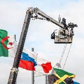 Выше флагов. Тупо снимал вчера фотографов и операторов, бо машинки фиг снимешь. #f1sochi #f1sochi2015 #f1otrip #russiangp #f1 #formula1 #sochiautodrom