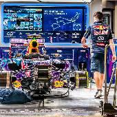Поспамлю ещё немного формулой. Бокс Red Bull. #f1sochi #f1sochi2015 #f1otrip #russiangp #f1 #formula1 #sochiautodrom