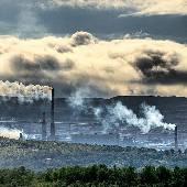 Кто ещё не читал про Никель в блоге OTRIP.RU / otrip.livejournal.com? Дым на небе, дым на земле, вместо людей машины... мертвые рыбы в иссохшей реке, зловонный зной пустыни. Не забудьте включить...