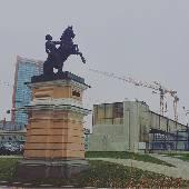 Казалось бы, должен быть на Белоруской, а уже на полпути до Беговой. Москва маленькая деревня.