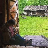 В плохую погоду крестьяне занимались делами в избе. :) #3dayret