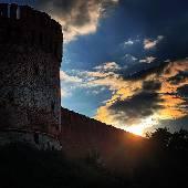 Продолжаем тему Смоленска. Закат над крепостью. Ну. Почти. Впрочем, а копилку идей... надо поснимать таймлапсы и закаты. #смоленск #смоленщина #смоленскаяобласть #смоленскаяобласть