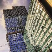 В детстве этот зелёный дом казался самым большим небоскребом в округе. #москва #moscow #moscowcity