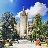 Чем меньше людей, тем прекрасней город. :)